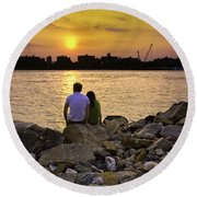 Love On The Rocks In Brooklyn Round Beach Towel