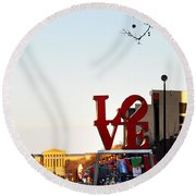 Love Statue And The Art Museum Round Beach Towel