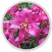 Lovely Lilies  Round Beach Towel