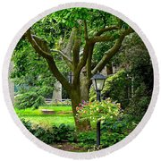 Lovely Suburban Front Yard Round Beach Towel