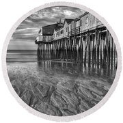 Low Tide At Orchard Beach Black And White Round Beach Towel by Jerry Fornarotto