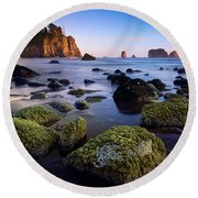 Low Tide At Second Beach Round Beach Towel