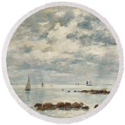 Low Tide Saint Vaast La Hougue Round Beach Towel
