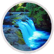 Lower Punchbowl Falls Round Beach Towel