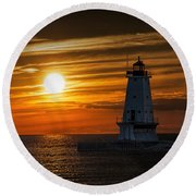 Ludington Pier Lighthead At Sunset Round Beach Towel
