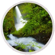 Lush Gorge Falls Round Beach Towel