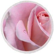 Macro Pink Rose Flower Raindrop Round Beach Towel