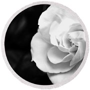 Magnolia With Leaves Round Beach Towel
