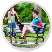Making A New Friend In The Park Round Beach Towel