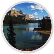 Maligne Lake Beauty Of The Canadian Rocky Mountains Round Beach Towel