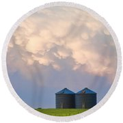 Mammatus Country Landscape Round Beach Towel