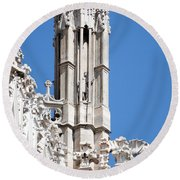 Man And Dragon Gargoyles With Tower Duomo Di Milano Italia Round Beach Towel