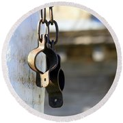 Manacles At The Old Fort Round Beach Towel