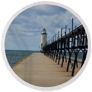 Manistee Lighthouse And Walkway Round Beach Towel