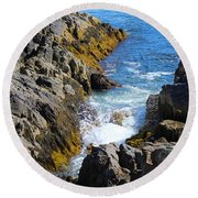 Marginal Way Crevice Round Beach Towel