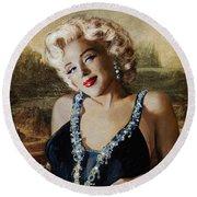 Marilyn 126 Mona Lisa Round Beach Towel