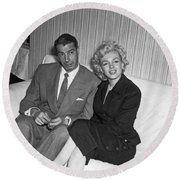 Marilyn Monroe And Joe Dimaggio Round Beach Towel by Underwood Archives