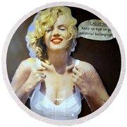 Marilyns Pointers Round Beach Towel