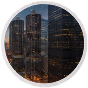 Marina City And A M A Plaza Chicago Round Beach Towel
