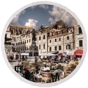 Market Day In The White City Round Beach Towel