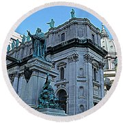 Mary Queen Of The World Cathedral - Side View In Hdr Round Beach Towel