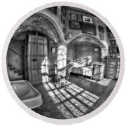 Master Bedroom At Fonthill Castlebw Round Beach Towel