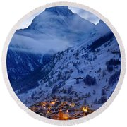 Matterhorn At Twilight Round Beach Towel