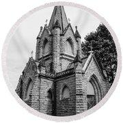 Mausoleum New England Black And White Round Beach Towel