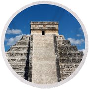 Mayan Temple Pyramid At Chichen Itza Round Beach Towel