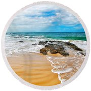 Meandering Waves On Tropical Beach Round Beach Towel