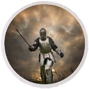 Medieval Knight In Armour On The Attack Round Beach Towel