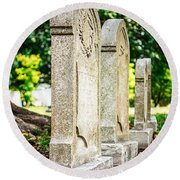 Memphis Elmwood Cemetery Monument - Four In A Row Round Beach Towel