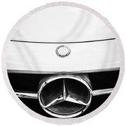 Mercedes-benz Grille Emblem -0230bw Round Beach Towel