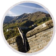 Merlon View Of The Great Wall 1037 Round Beach Towel