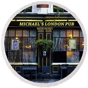 Michael's London Pub Round Beach Towel by David Pyatt