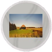 Michigan Barn And Landscape Round Beach Towel