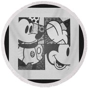 Mickey In Black And White Round Beach Towel