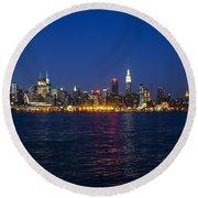 Midtown Manhattan Skyline View Round Beach Towel
