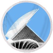 Milwaukee Skyline Art Museum - Light Blue Round Beach Towel