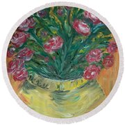 Mini Roses Round Beach Towel
