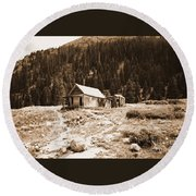 Mining House In Black And White Round Beach Towel