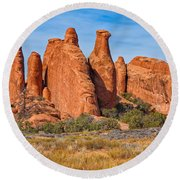 Misfit Rock Formations Round Beach Towel