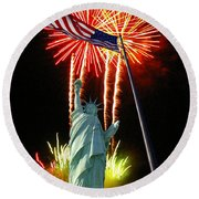 Miss Liberty And Fireworks Round Beach Towel