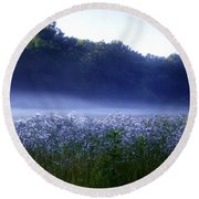 Misty Morning At Vally Forge Round Beach Towel
