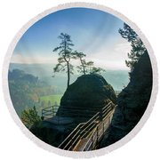 Misty Sunrise On Neurathen Castle Round Beach Towel