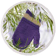Mitten In Snowy Pine Tree Round Beach Towel