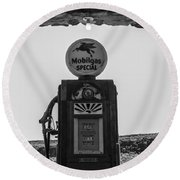 Mobilgas Pumps Round Beach Towel
