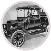 Model T Ford (1921) Round Beach Towel