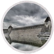 Mohne Dam Wide View Round Beach Towel