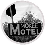 Mokee Motel Sign Circa 1950 Round Beach Towel
